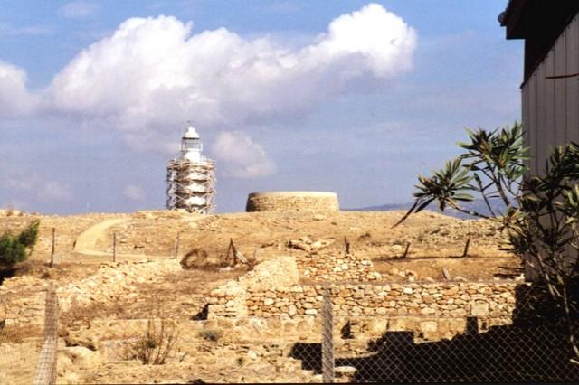 In Renovierung: der alte Leuchtturm von Páphos